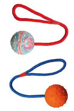 Hračka TRIXIE míč gumový na provaze 30 cm (1ks)