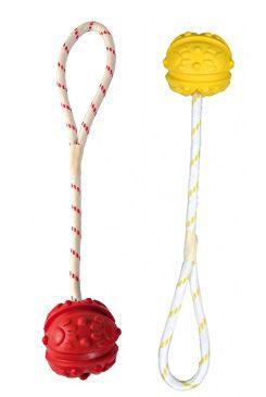 Hračka TRIXIE míček gumový na provaze 7 cm (1ks)
