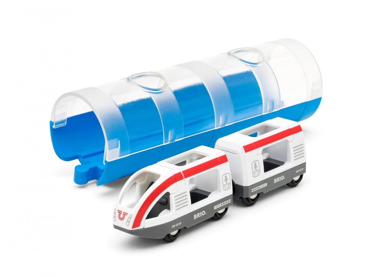 Tunel a osobní vlak